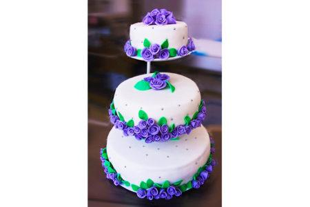 tort-nunta-cu-trandafiri-violeti-136-1 mod